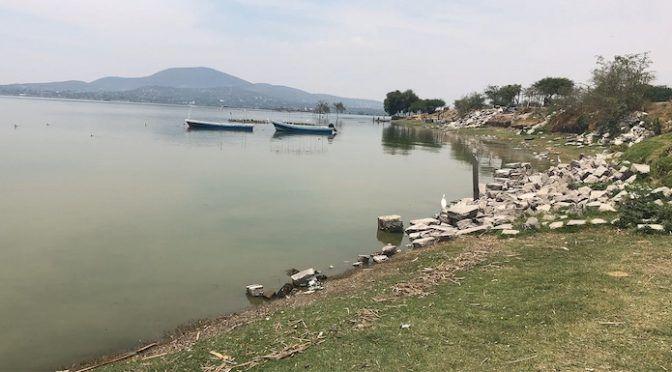 CDMX: AMLO ofrece revisar escasez de agua en pueblos junto a Santa Lucía, que no tuvieron consulta (zona franca)
