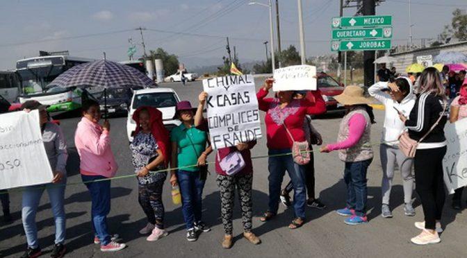 Estado de México: Cierran calle en Huehuetoca; denuncian fraude inmobiliario (Milenio)