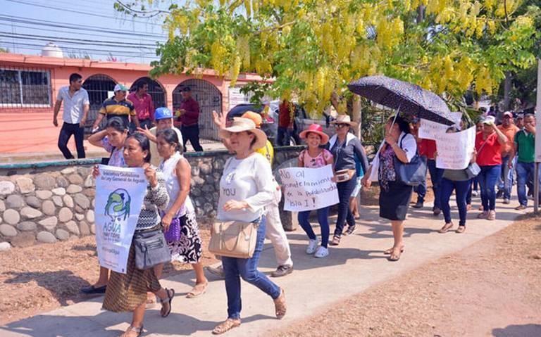 Tabasco: marchan contra la privatización del agua (El Heraldo de Tabasco)