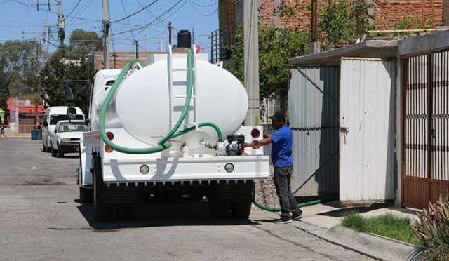 San Luis Potosí: Piperos hacen su agosto ante la falta de agua (El Pulso de San Luis)
