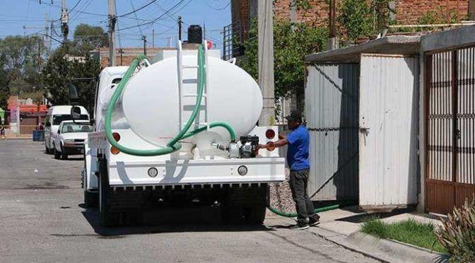 San Luis Potosí: Piperos hacen su agosto ante la falta de agua (Pulso)