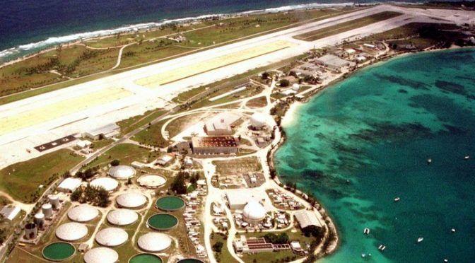 Una bomba nuclear arrojada por EE.UU. está a punto de contaminar el Pacífico (Clarín)