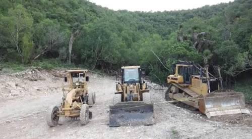 Monterrey: Ediles y diputados cabildean a favor de explotadora de cantera (La Jornada)