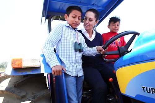 México: Revisan gobierno y Conagua concesiones otorgadas a la IP para explotar el acuífero (La jornada)