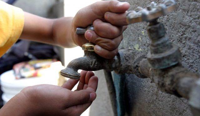 CDMX: Vecinos de la alcaldía Azcapotzalco reclaman falta de agua (Diario Basta)