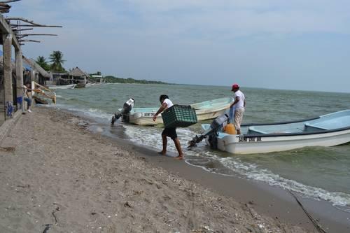 Oaxaca: Quitan apoyo federal a pescadores de Juchitán (La jornada)