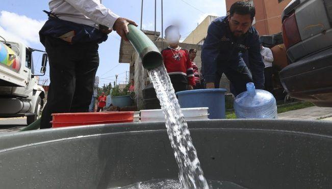 Estado de México: Habitantes, desesperados por falta de agua en San Antonio La Isla (El Universal)