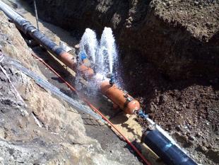 Puebla: Continúan los trabajos de reparación de fugas de agua en Barranca Honda (Puebla Noticias)