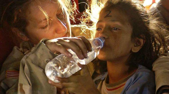 Beber agua de la llave es igual a ingerir una tarjeta de plástico (Yacatán a la mano)