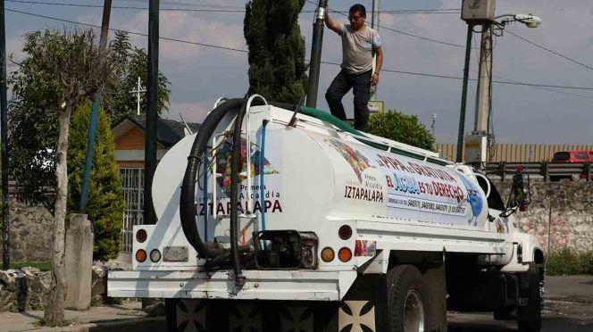 CDMX: Surtirán con 810 pipas con agua colonias afectadas por corte (Excelsior)