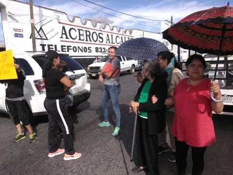 Colonos bloquean Vasco de Quiroga en SLP tras 12 días sin agua (La Orquesta)