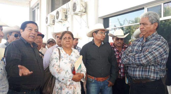 Movimiento Campesino por la Defensa del Agua logra se despida a tres funcionarios corruptos de la CNA en Torreón (Vanguardia)