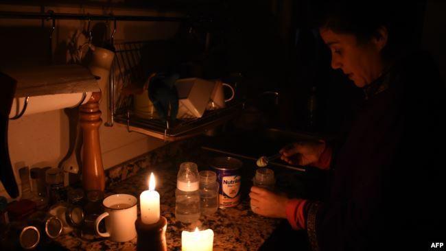 América Latina: Poco a poco se restablece servicio de luz en Argentina y Uruguay (Voz de América)