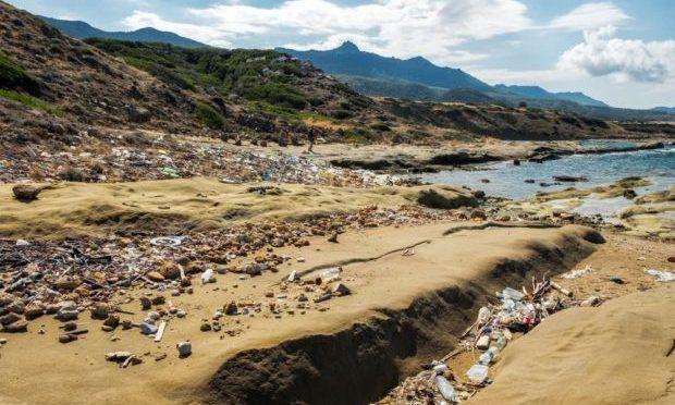 CDMX: Cada año 570.000 toneladas de plástico terminan en el Mar Mediterráneo (Eco Inventos)