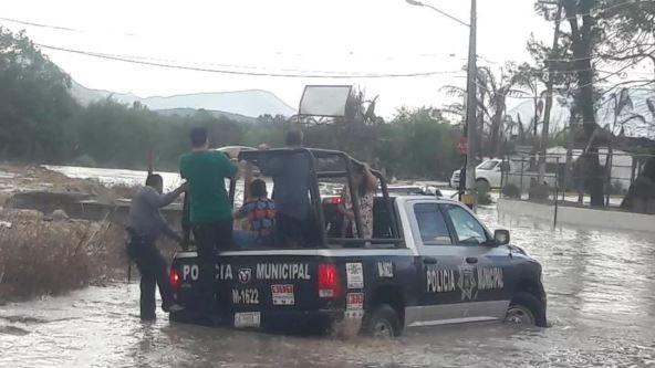 Coahuila: Fuerte lluvia deja inundaciones y choques en Saltillo (El Siglo de Torreón)