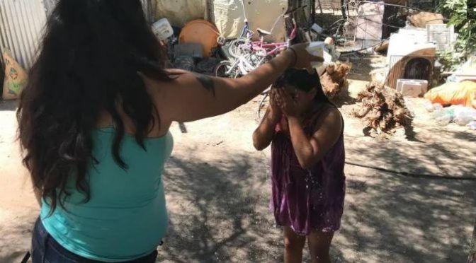 """Hermosillo: Cuidan como """"oro"""" el agua por la baja presión en invasión (El Imparcial)"""