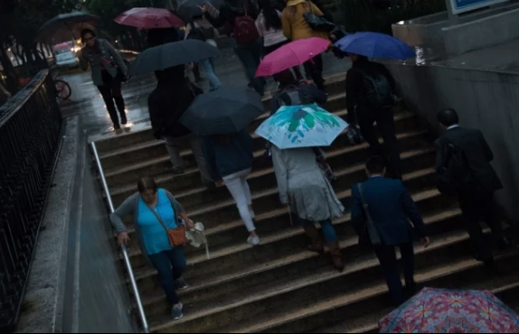 CDMX: Prevén desde chubascos hasta lluvias muy fuertes en la mitad del país (El Universal)