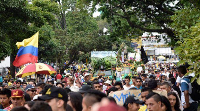 Colombia: Marcha Carnaval Nacional contra el Fracking y la minería (el campesino)