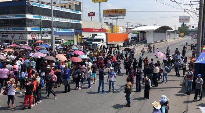 Estado de México: vecinos bloquean vía Morelos en Ecatepec por falta de agua (El Sol de Toluca)