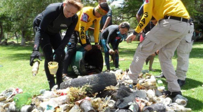 Michoacán: Retiran buzos 1.5 toneladas de basura de mantos acuíferos de Zacapu (Quadratin)