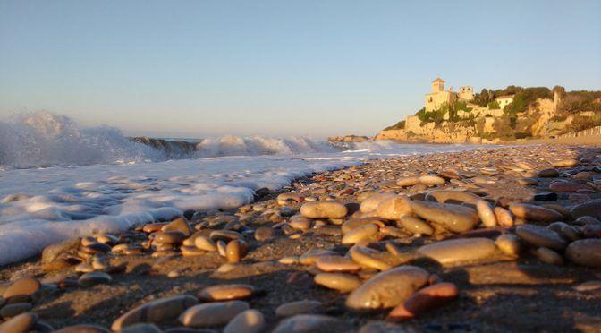 España: Más de la mitad de los plásticos en el mar son fibras de ropa de la lavadora (sinc)