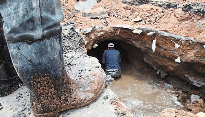 CDMX: Buscan reparar 120 socavones en Ecatepec (El Universal)