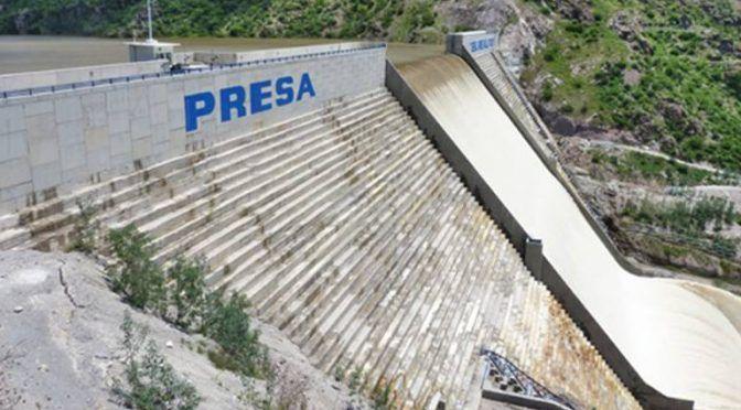 San Luis Potosí: Autoridades reparten agua contaminada del Realito, acusa ciudadano (El Sol de San Luis)