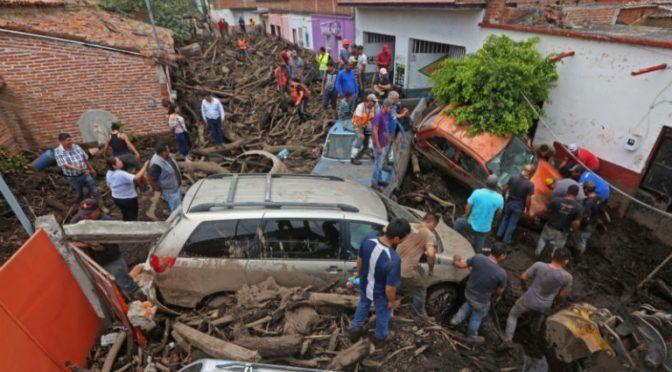 CDMX: Mantienen búsqueda de desaparecidos tras desborde de río en San Gabriel (24 horas)