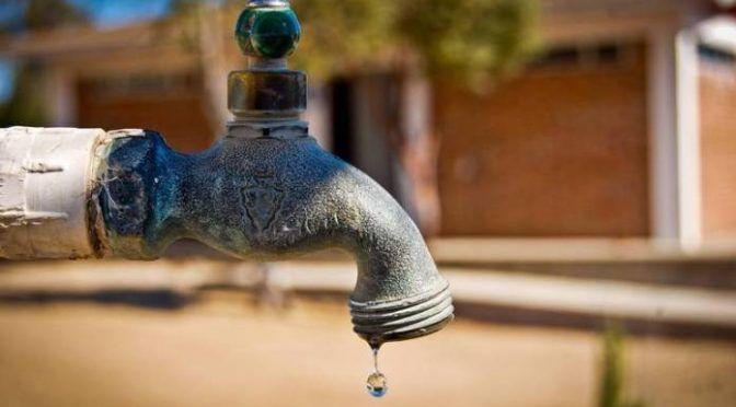 Zacatecas: dañan particulares tubería de agua potable en El Pardillo (Fresnillo)