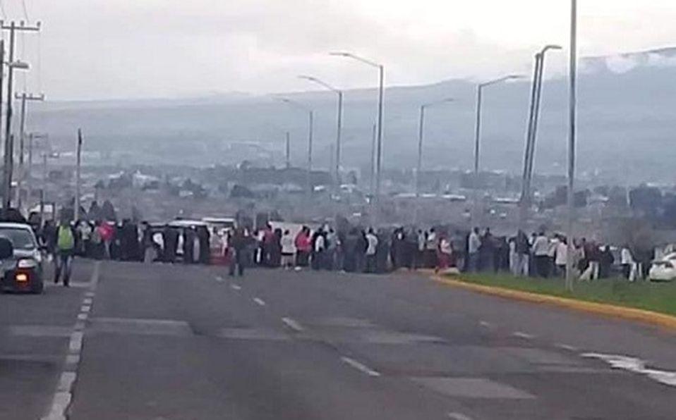 Edomex: Vecinos bloquean carretera a Almoloya de Juárez por falta de agua (Milenio)