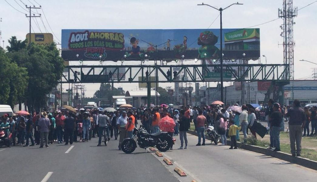 Manifestantes bloquean la Vía Morelos, Edomex, por escasez de agua potable (Televisa)