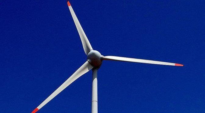 Colombia: Estudiante de la U. Nacional diseña hélice que genera energía con el agua, el viento y el sol (El Espectador)
