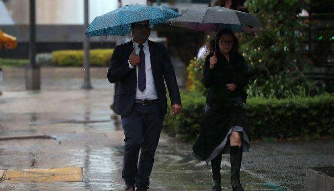 CDMX: Activan alerta amarilla por tormenta en 12 alcaldías (El Universal)