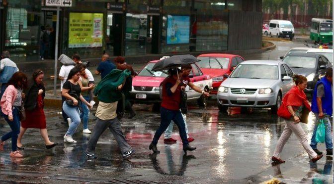 Prevén lluvia ligera en CDMX (Debate)