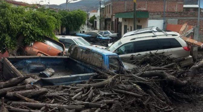 Jalisco: se desborda río en San Gabriel; suspenden clases (La Jornada)