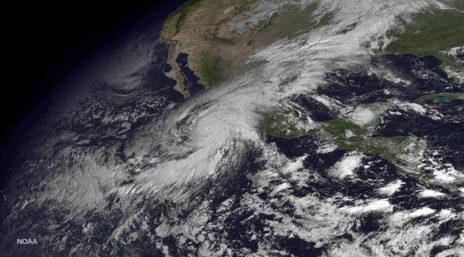 México: Se aleja 'Alvin' del país, pero ocasionará lluvias (excelsior)