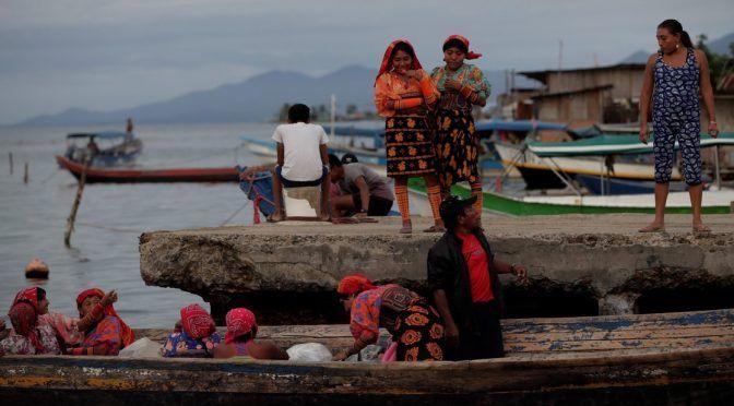 Panamá: Por el calentamiento global, el mar se traga el archipiélago panameño de San Blas (Clarín)