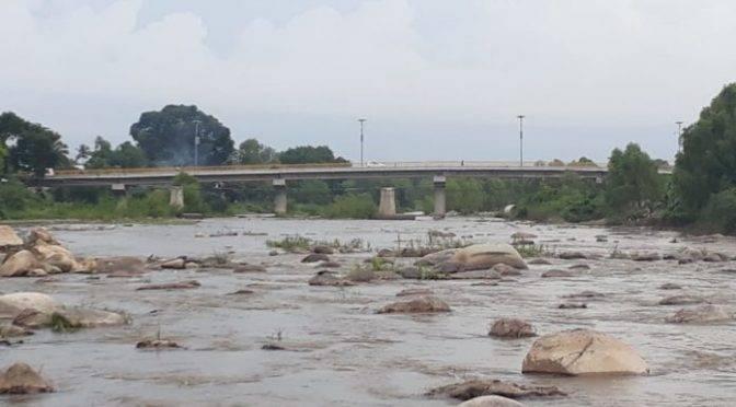 México: Sin control extracción de material pétreo del río Atoyac (Enfoque)