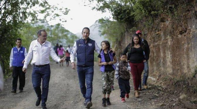 Querétaro: Inaugura Pancho sistema de agua potable en Pinal (Diario de Querétaro)