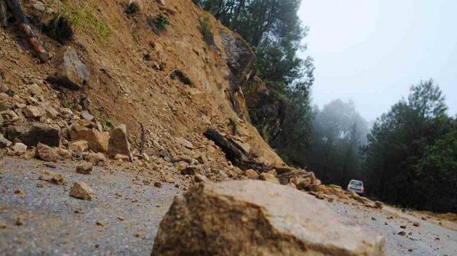 CDMX: Cenapred alista acciones ante posibles derrumbes por lluvias (Excelsior)
