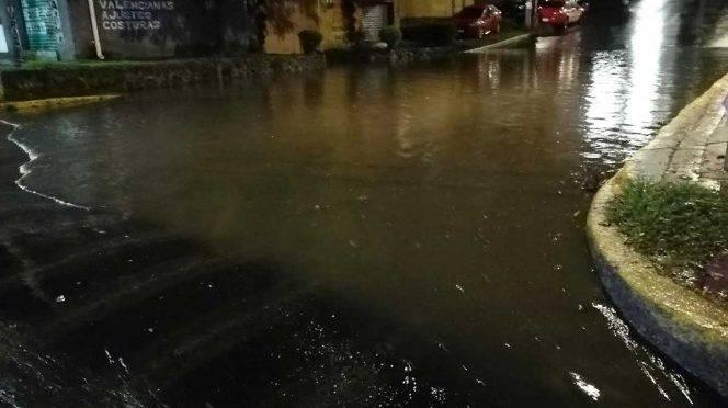 CDMX: Lluvia provoca encharcamientos en diferentes alcaldías (Excelsior)