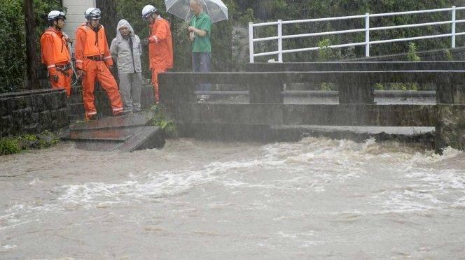 Tokio: Evacuan a más de un millón de personas en Japón por lluvias (Excelsior)