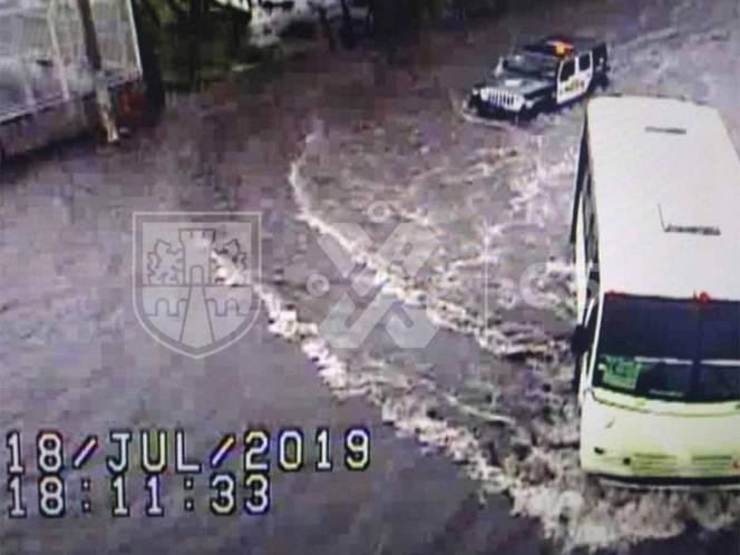 Encharcamientos y brotes de aguas negras por lluvia en CDMX (Excelsior)
