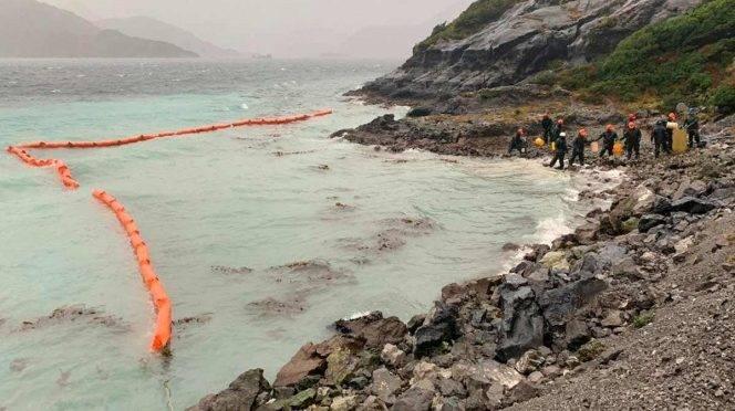 Santiago: Limpian derrame de combustible en Patagonia chilena ( Excelsior)