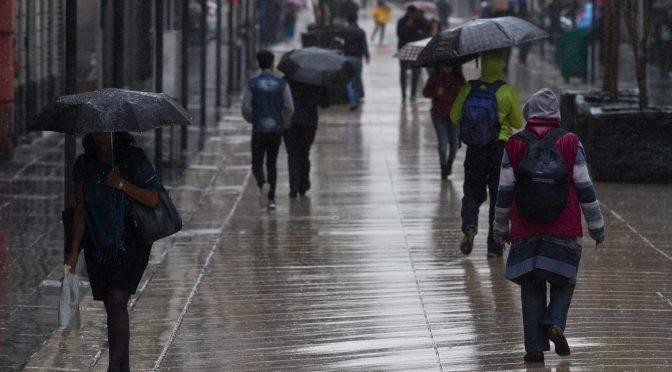 CDMX: Fortalecen atención contra inundaciones (Reforma)