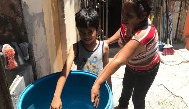 Hermosillo: Escasea el agua en la 5 de Mayo (El Imparcial)