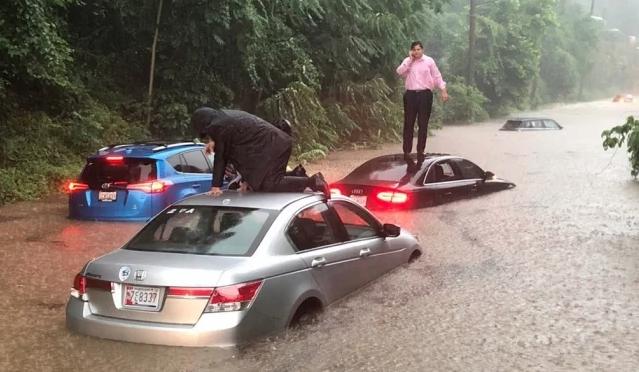 Estados Unidos: Tormenta inunda caminos y deja varados a automovilistas en Washington DC (El Univesal)