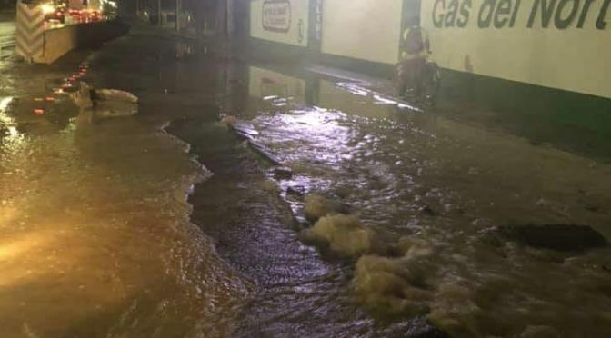 Nuevo Laredo: Enorme fuga de agua afecta todo el sur de la ciudad (El Mañana)