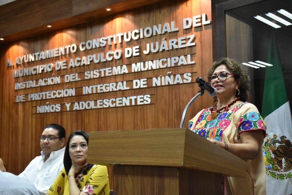 Guerrero: Restauranteros taponan drenajes con desechos de sus negocios: Adela (El Sol de Chilpancingo)