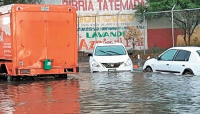 Aguascalientes: Tromba deja inundaciones en 60 casas en la capital (El Universal)